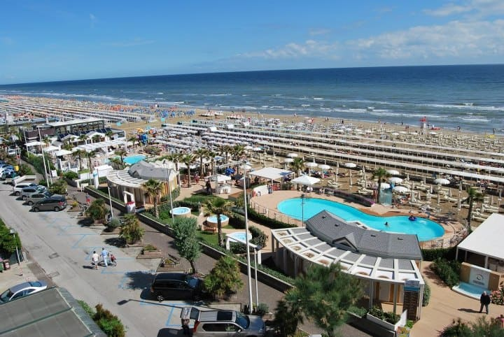 Foto panoramica della spiaggia 108 e 109 di riccione - Bagno 78 riccione ...